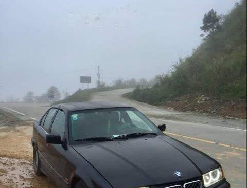 Cần bán lại xe BMW 3 Series 320i sản xuất 1998, màu đen, nhập khẩu giá cạnh tranh