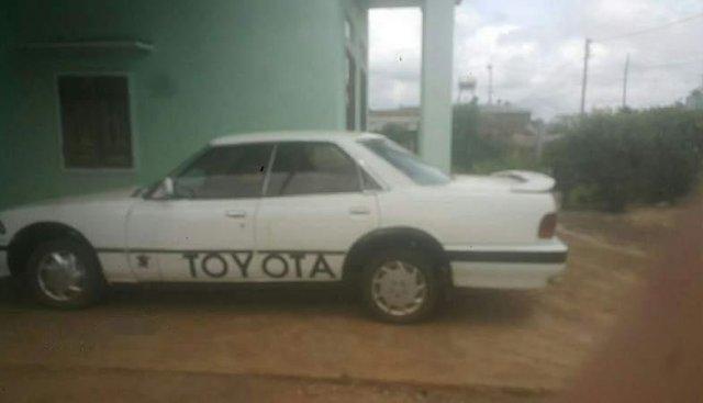 Cần bán xe Toyota Corolla đời 1982, màu trắng