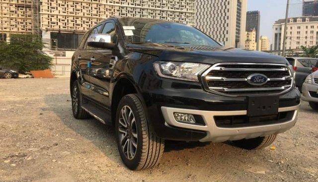 Bán ô tô Ford Everest sản xuất 2019, màu đen, xe nhập