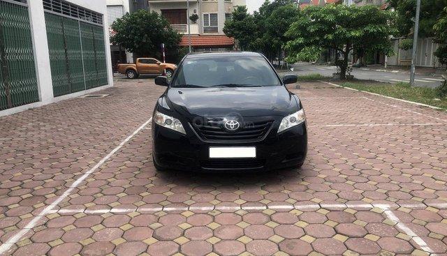 Bán Toyota Camry LE nhập Mỹ 2.4 năm 2007, màu đen, xe nhập số tự động, giá tốt
