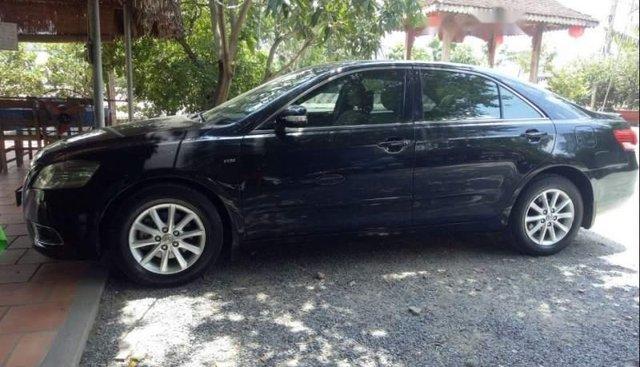 Chính chủ bán Toyota Camry 2010, màu đen, giá 590tr