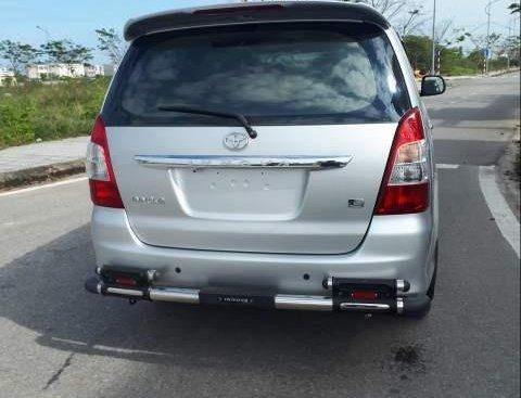 Bán Toyota Innova E 2012, màu bạc