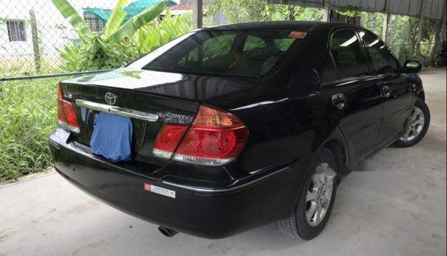Gia đình bán lại xe Toyota Camry 2.4G năm 2006, màu đen