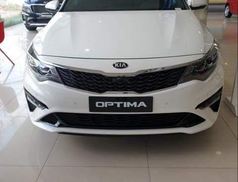 Cần bán xe Kia Optima năm sản xuất 2019, màu trắng
