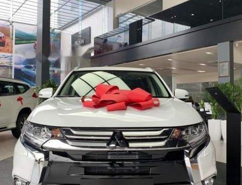 Bán xe Mitsubishi Outlander năm sản xuất 2019, màu trắng, nhập khẩu