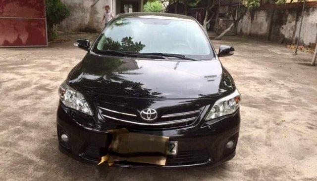 Chính chủ bán Toyota Corolla altis 2011, màu đen