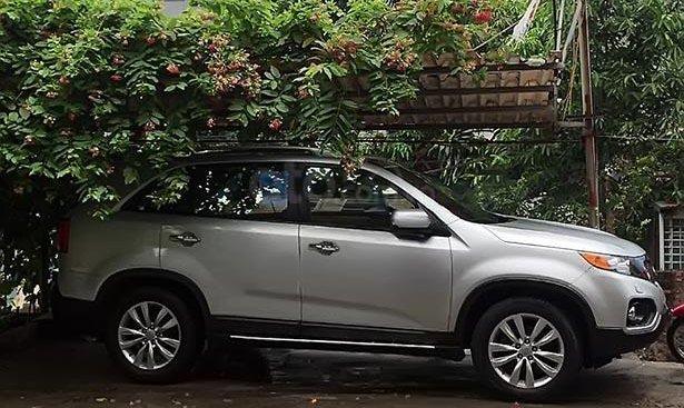 Bán Kia Sorento GAT 2.4L 2WD 2011, màu bạc, xe nhập, chính chủ, giá tốt