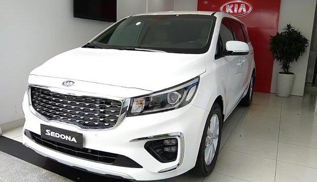 Cần bán xe Kia Sedona Delu D năm sản xuất 2018, màu trắng