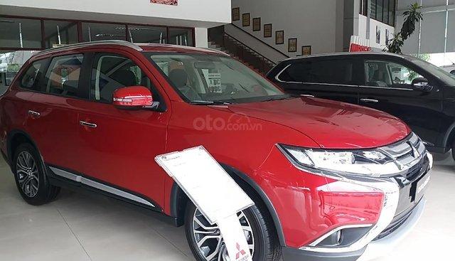 Bán xe Mitsubishi Outlander 2.0 CVT năm 2019, màu đỏ