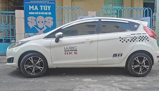 Cần bán xe Ford Fiesta S 1.5 AT đời 2014, màu trắng chính chủ, biển số thành phố