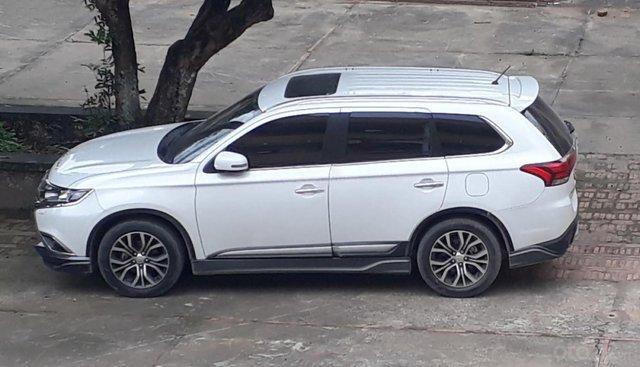 Gia đình bán xe Outlander 2.0 CVT chính chủ nhập khẩu nguyên chiếc từ Nhật bản