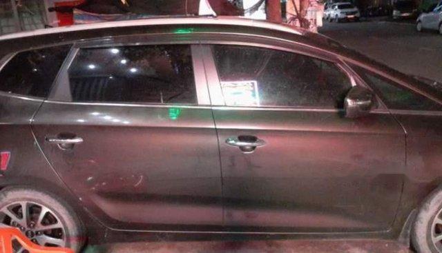 Cần bán xe Kia Rondo 2016, màu xám, xe nhập