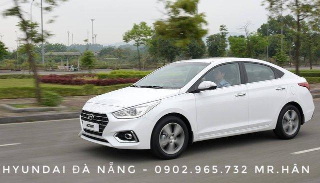 Bán Hyundai Accent sản xuất năm 2019, màu trắng, tặng kèm phụ kiện khi mua xe, hỗ trợ vay vốn 80%, LH 0902.965.732