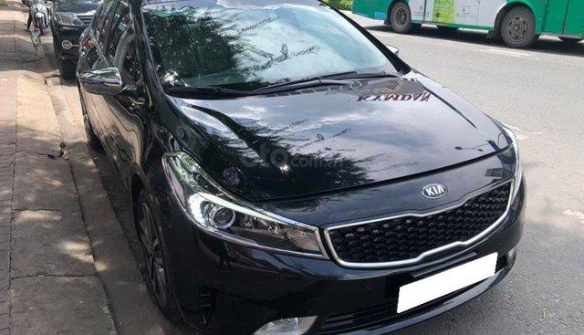 Gia đình cần bán xe Cerato 2017, số tự động, màu đen