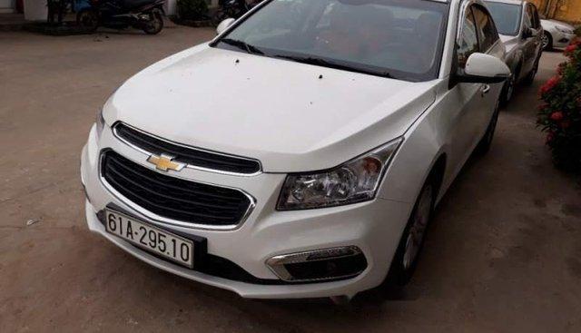 Bán xe Chevrolet Cruze LT năm 2016, màu trắng, chính chủ