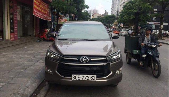 Bán xe Toyota Innova năm sản xuất 2017, màu xám, nhập khẩu