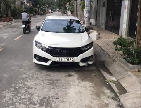 Bán xe Honda Civic sản xuất năm 2017, màu trắng, xe nhập