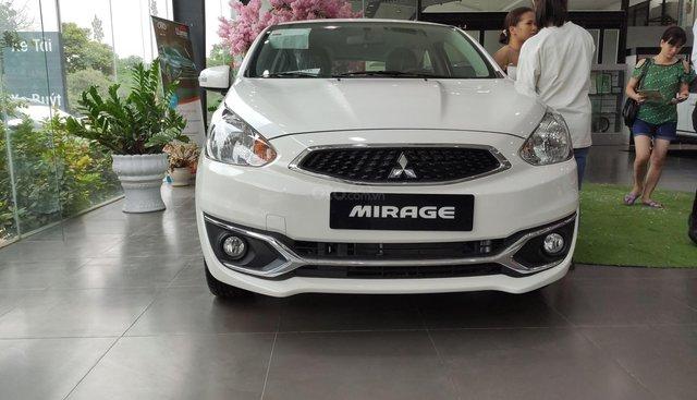 Xe Mitsubishi Mirage năm 2019, dán kính trải sàn