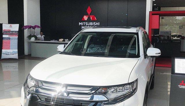 Mitsubishi Huế bán ô tô Mitsubishi Outlander 7 chỗ khuyến mãi khủng, giá tốt, liên hệ 0934.674.616.
