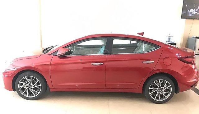 Cần bán Hyundai Elantra 2019, màu đỏ