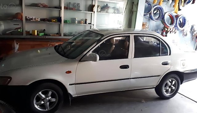 Cần bán xe Toyota Corolla 1994, màu trắng, nhập khẩu