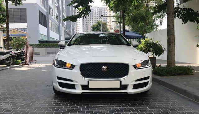 Cần bán xe Jaguar XE 2.0T Portpolio đời 2016, màu trắng, nhập khẩu Anh Quốc