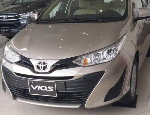 Bán Toyota Vios sản xuất 2019, màu vàng, 470tr
