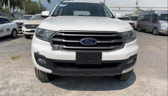 Bán Ford Everest MT đời 2018, màu trắng, xe nhập