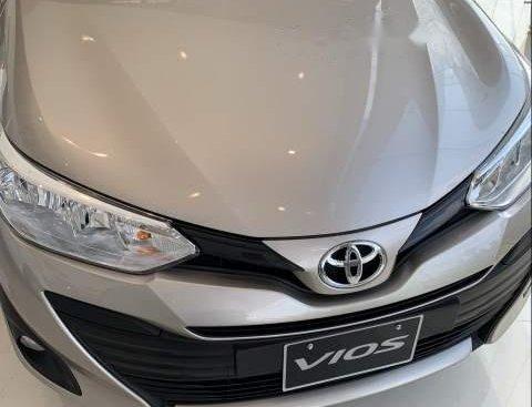 Bán Toyota Vios sản xuất năm 2019, màu vàng, giá tốt