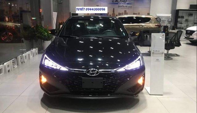Cần bán Hyundai Elantra 1.6 đời 2019, màu đen, giá chỉ 754 triệu