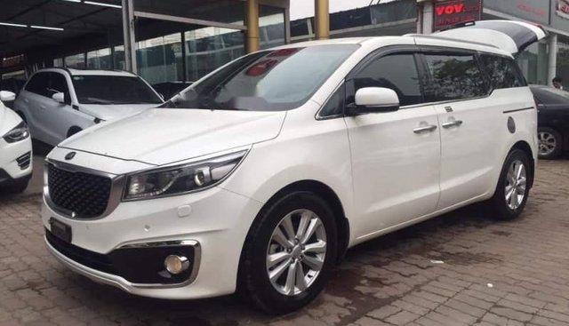 Bán Kia Sedona DATH 2.2 2015, màu trắng, xe gia đình