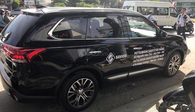 Bán Mitsubishi Outlander 2019 tặng bộ ghế da và bộ phụ kiện