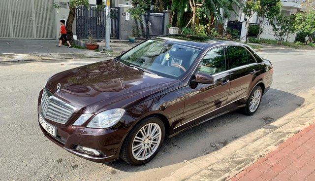 Bán xe Mercedes E300 đời 2010, màu nâu