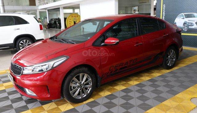 Cần bán Kia Cerato 1.6MT sản xuất năm 2017, màu đỏ giá cạnh tranh