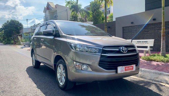 Bán Toyota Innova E màu đồng ánh kim - số sàn - đời 2018