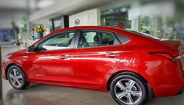 Bán Hyundai Accent 2019, xe có sẵn giao ngay, đăng ký miễn phí Grab, tặng bộ phụ kiện cao cấp, trả trước 130tr