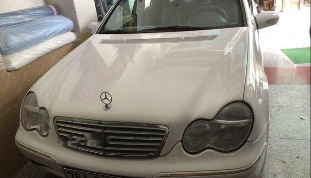 Bán Mercedes năm 2001, màu trắng, gia đình bảo dưỡng kỹ