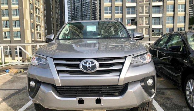 Khai trương showroom mới - Toyota Tân Cảng khuyến mãi xe Fortuner số sàn máy dầu cực lớn  - 0901302040