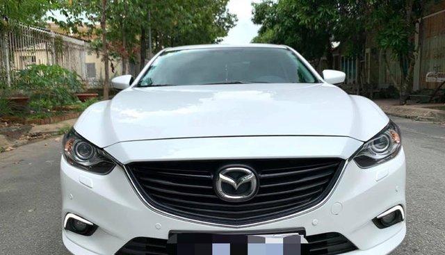 Gia đình đổi xe cần bán Mazda 6 đời 2016, số tự động 2.0, màu trắng