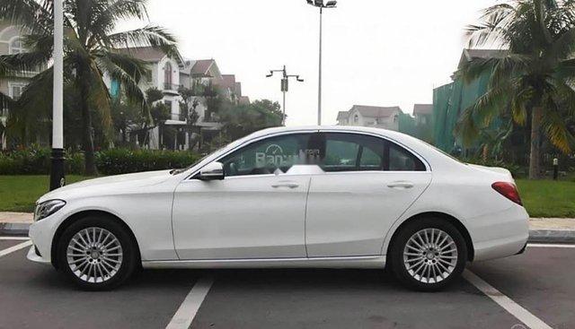 Chính chủ bán Mercedes C250 Exclusive model 2017, bản có cốp điện