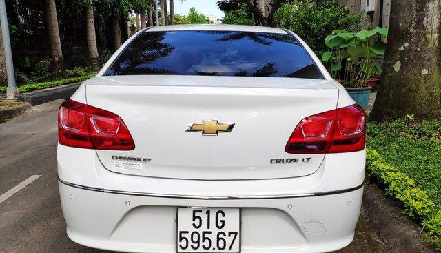 Bán Chevrolet Cruze LT đời 2018, màu trắng, gia đình sử dụng còn bảo hành