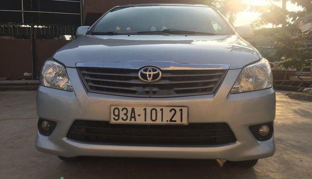 Bán Toyota Innova năm sản xuất 2013, màu xám, xe nhập
