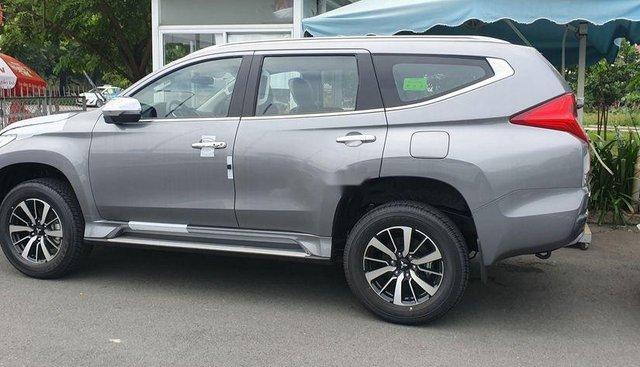 Bán Mitsubishi Pajero Sport năm 2019, màu bạc, nhập khẩu