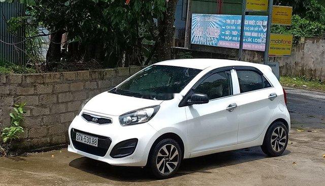 Cần bán lại xe Kia Morning đời 2013, màu trắng, xe đẹp không lỗi nhỏ