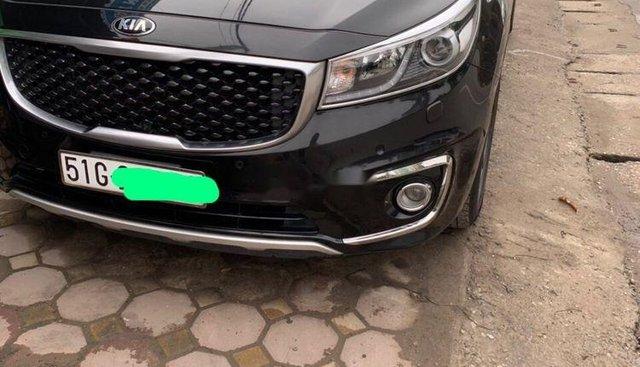 Bán Kia Sedona đời 2017, màu đen xe gia đình