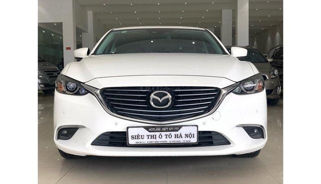 Bán Mazda 6 2.0 AT 2018, màu trắng, odo 27.000 km