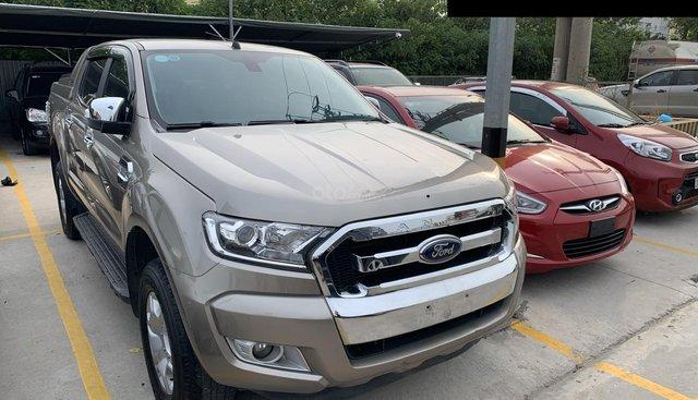 Bán Ford Ranger XLT đời 2017, màu vàng, nhập khẩu nguyên chiếc