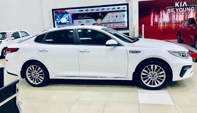 Bán Kia Optima 2.0 sản xuất 2019, màu trắng, giá chỉ 789 triệu