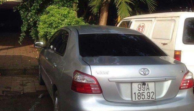 Gia đình bán xe Toyota Vios đời 2012, màu bạc
