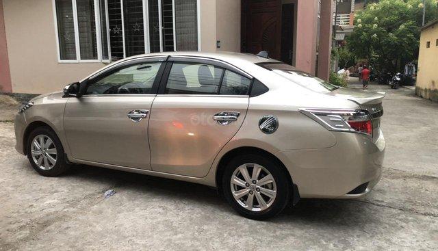 Cần bán gấp Toyota Vios sản xuất 2015 số sàn